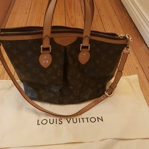 LV Palermo bag with straps
